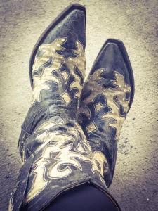 bodacious blackgrey boot