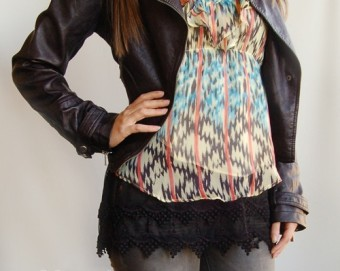 Pointed-Lace-Top-Extender_black2-500x600